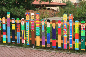 Fence-Mural-sart-DIY-Home-Decorating-garden-decor-great-diy-ideas