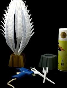 поделки-из-пластмассовых-вилок