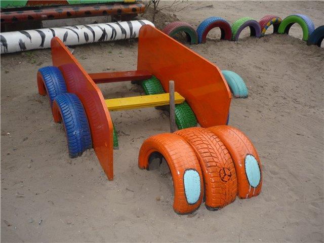 Машина на детскую площадку из шин своими руками