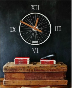 bicycle-wheel-clock-thistlewoodfarms