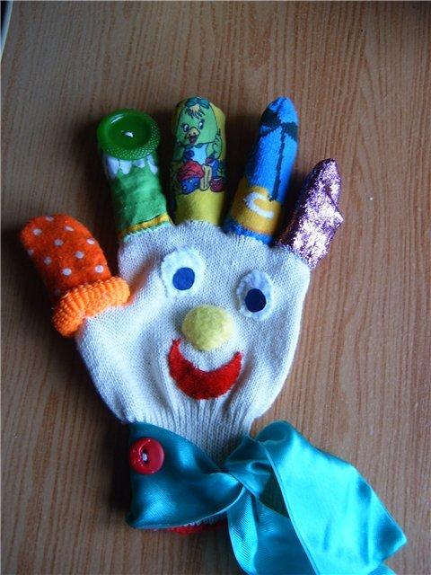 Новогодние поделки из перчаток своими руками