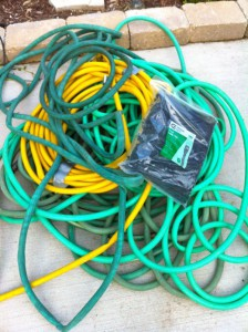 recyclart-org-recycled-hoses-into-garden-mat-5-600x803